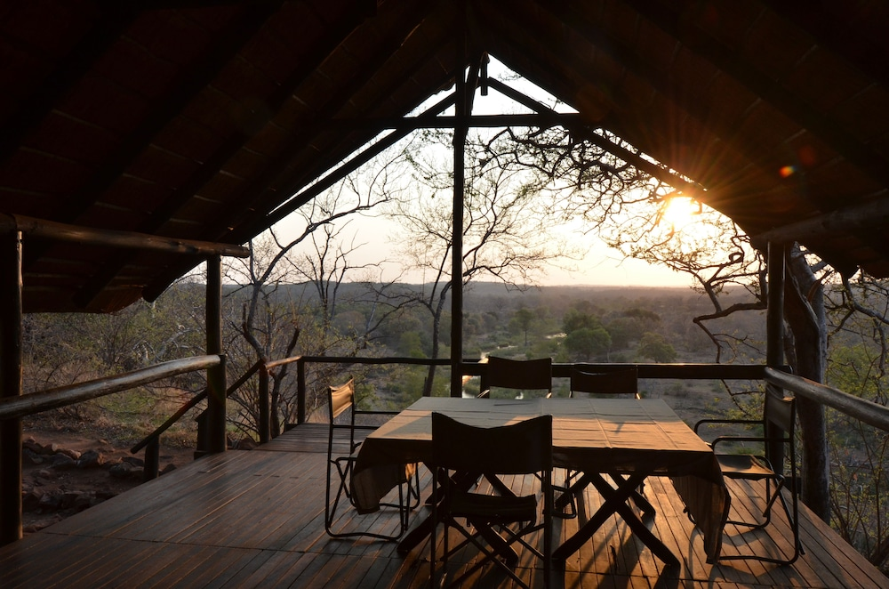 Dining, Mutale Falls Safari Camp