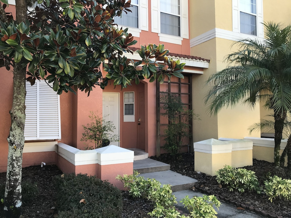 Freedom FL Condos of Kissimmee: 2019 Room Prices , Deals