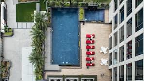 室外游泳池,免费小屋,池畔遮阳伞