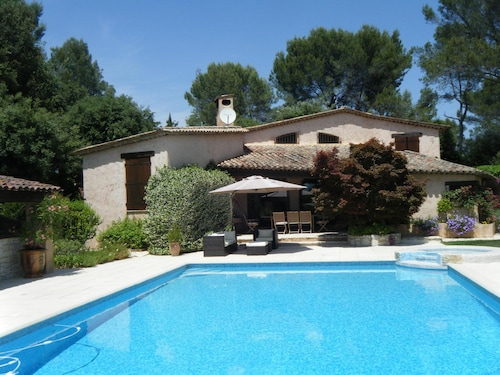 Villa With Modern Equipment and Large Swimming Pool