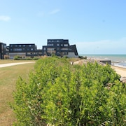 Superb Luxury Duplex Direct Access TO Juno Beach Debarning Beach