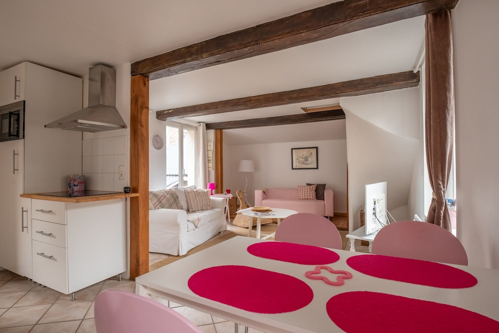 House, Garden, Wifi, Parking Possible Extra, 2 Bedrooms. Honfleur ...