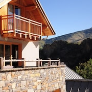 4-star Chalet - Sleeps 13 - South-facing With View Over Col du Galibier