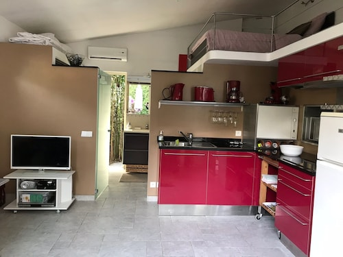 Maisonette With Garden, Private Terrace and BBQ Area