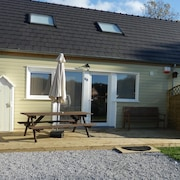 Very Lovely Bungalow by Eau Dheure Lakes With Pool, Beach and Water Activities