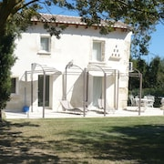 Mas Bizerty Small - in Camargue Nature Reserve - Aigues Mortes -