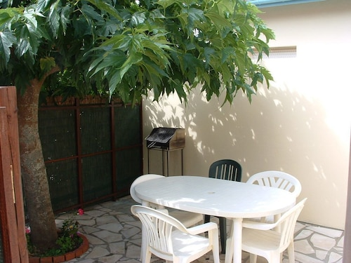 Nice House With Terrace, Sunny Pool, Near the Beach, Wifi