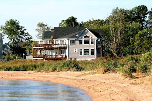 Chesapeake Haven Luxury Bay Home With Amazing Water Views All Around