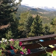 Breathtaking Mountaintop Views, Steam Bath,2 Private Decks Only 3 mi. From Town