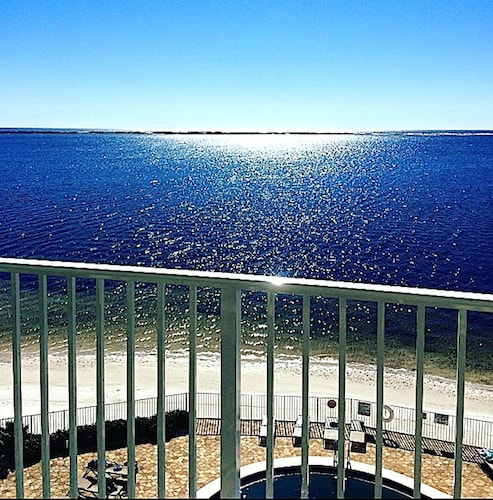 Unbelievable Views From This Waterfront Unit!