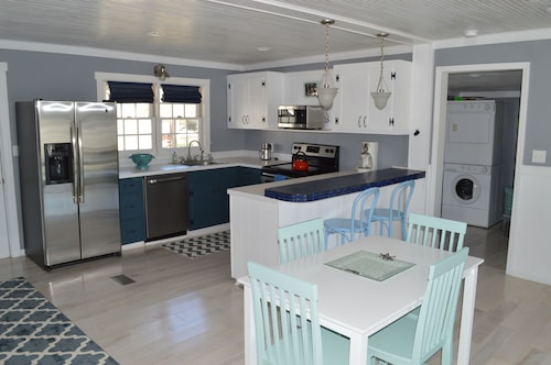 Remodeled 1950's Beach Cottage