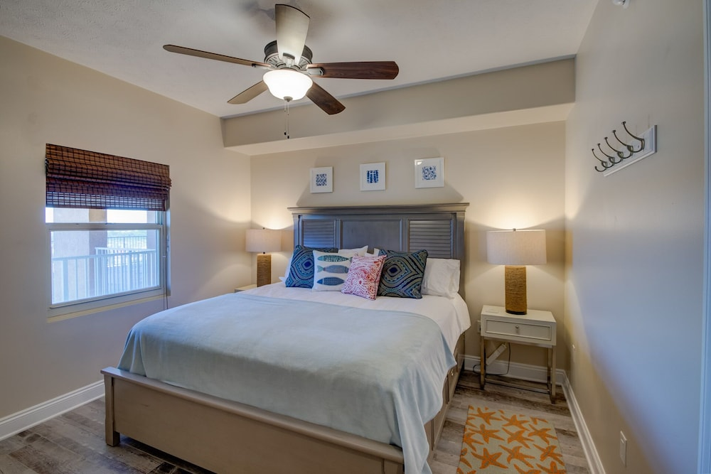 Newly Remodeled..2 King Bedrooms, Luxury Linens And Memory Foam Beds