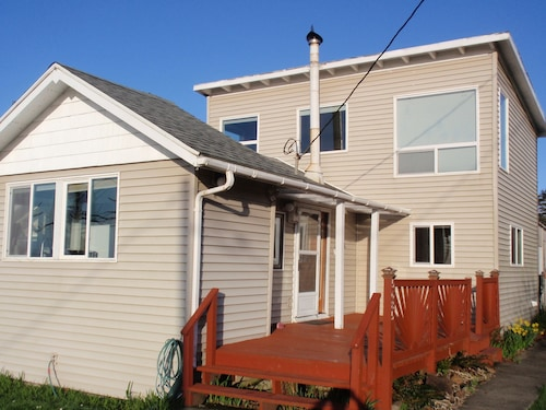 Check Expedia for Availability of Close to the Beach! Ocean View