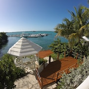 Unbelievable Luxury Oceanfront Villa Including Free Boat! Exuma AT ITS Finest!