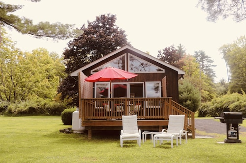 Purling Holiday Cottages: Holiday Cottages by the Sea from