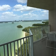 Sale!! $89 per Night. Beautiful Views!! New Weekly and Month Discounts!!