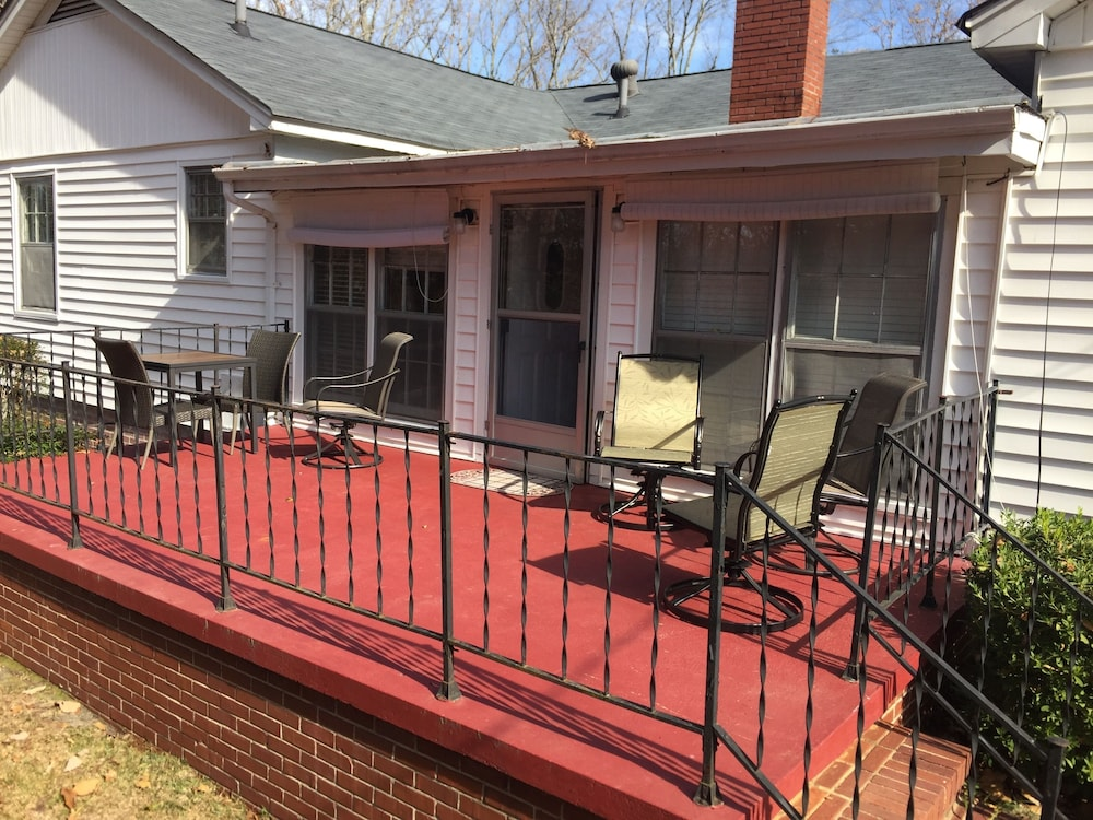 Balcony, Killian House Retreat, 4br 2ba Relaxing Get Away Private Home