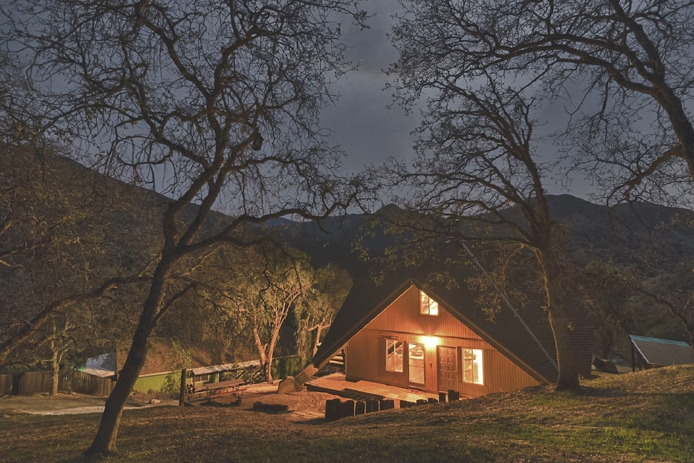 Exterior, Charming House Inside The Gate Of Sequoia National Park