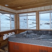Reduced Rates for April!! Ski-in, Ski-out!!! 3br-3ba Sleeps 10