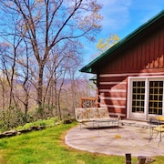 Close BY Cabin, 3 BR Sleep 6, in Black Mountain, Montreat Views Private Wifi Pet