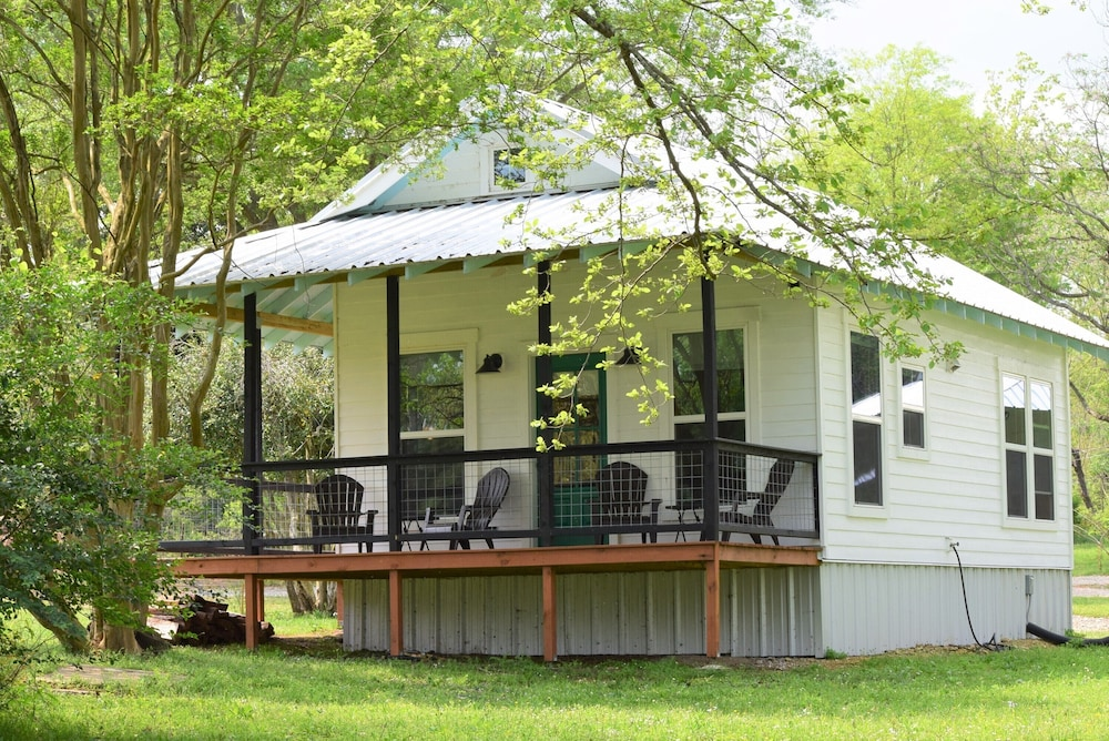 Knox Lakefront Storybook Cottage In Ore City Hotel Rates Reviews On Orbitz
