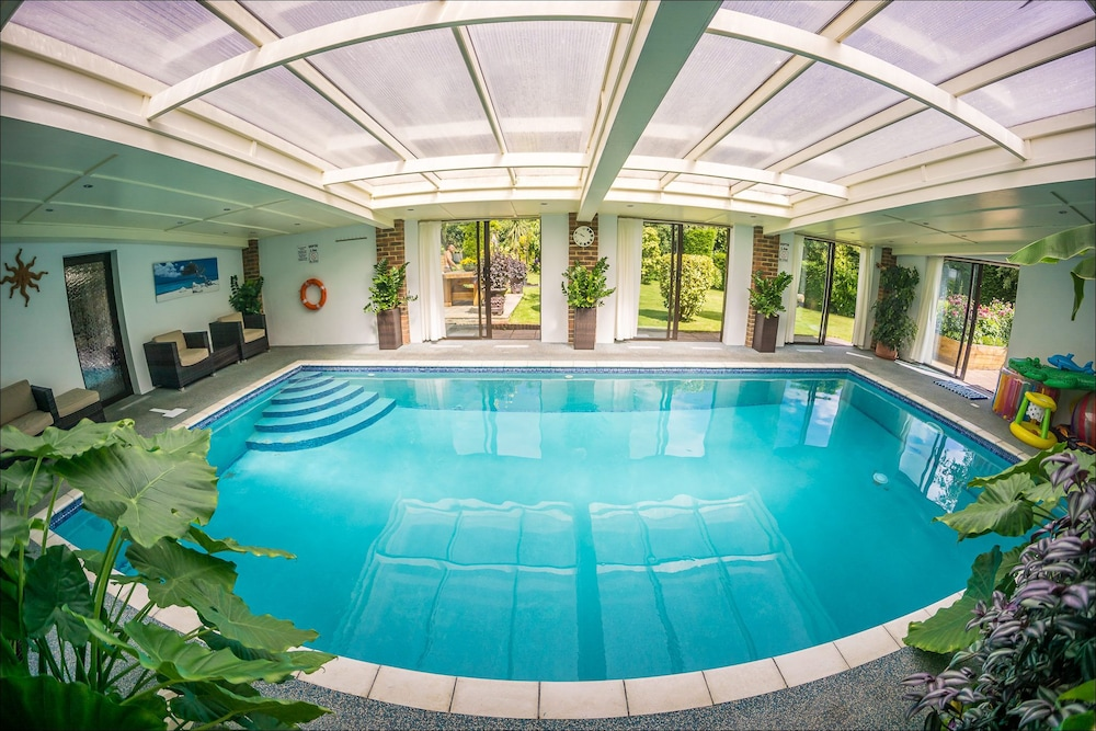 Indoor pool and hot tub  Heated Indoor Pool & hot Tub, Countryside Holiday Cottage Near the ...