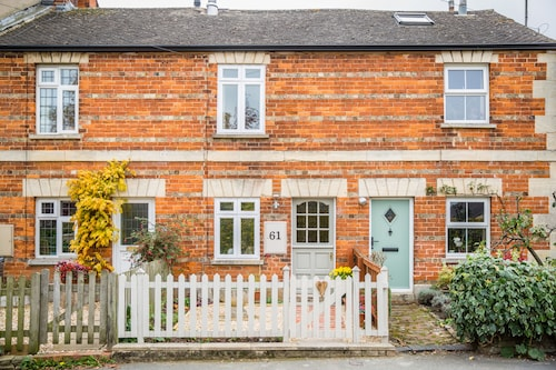 No61- Cosy Cotswold Cottage in Beautiful Winchcombe
