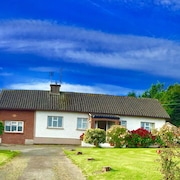 Curracloe~beach Holiday Location!! Co Wexford, 2mins From Beach. Shops & Bars