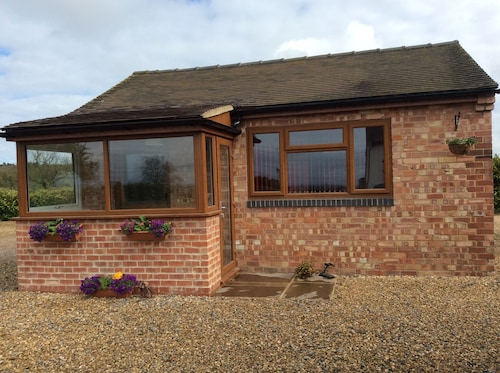 1 bed Sweet Little Cottage in Yoxall