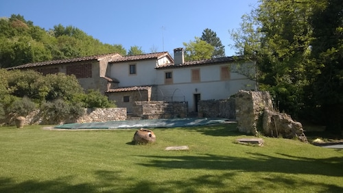 Farmhouse in old Mill Nestled in the Beautiful Chianti Hills