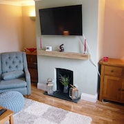 Cosy 2 Bedroom Cottage in Pretty Godstone Village on the North Downs in Surrey