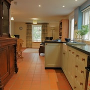 Beautiful Cottage With Wood Fired hot tub on Family Smallholding