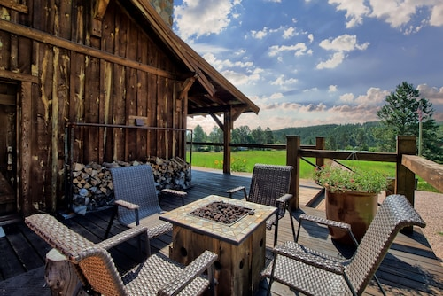 Beautiful Timber Frame Canyon With Spring Creek Canyon Views!