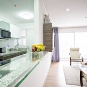 Luxury 2bdrm in Miraflores - Up2, A/c, Sound-proof Windows, Pool, BBQ