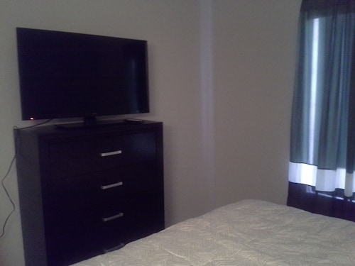 Great Value 2bed/2bath Condo. Children Welcome