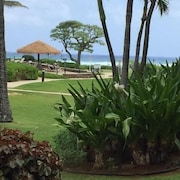 Beachfront Resort, 1st Floor, Ocean/pool View, New Renovation
