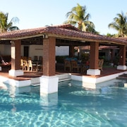 Casa Tortuga - Spanish Style Ocean Front Home - Pool, Surfing, Sea Turtles
