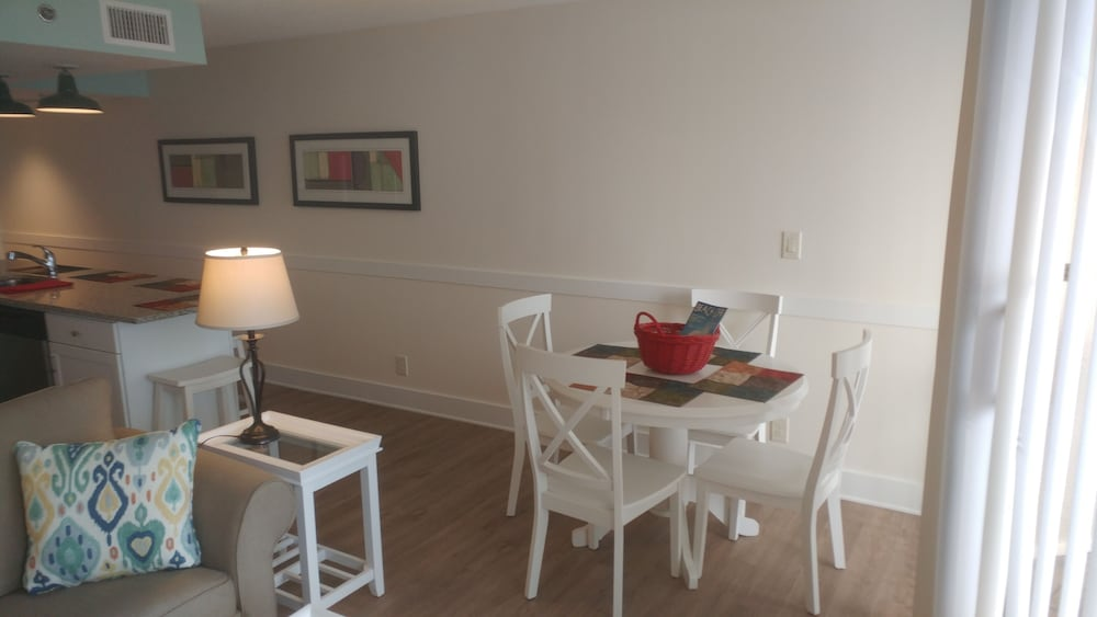 Guestroom In Room Dining ...