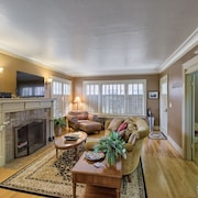Queen Anne - Charming Newly Renovated 1924 Home - Walk Score of 93