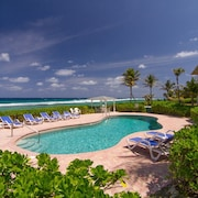 Ocean Pearl Beachfront Townhome. Escape to the Natural, North Side