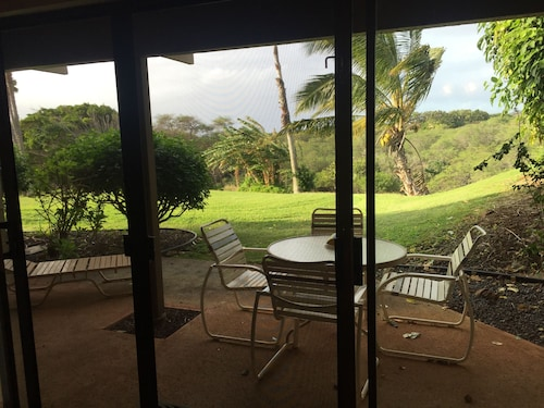 Beautiful One Bedroom Garden View Condo at Ke Nani Kai