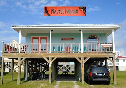 Playful Pelican - 2 BR / 2ba, Pet Friendly, Uncrowded White Sand Beaches