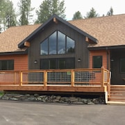 New Modern Lodge! Central Black Hills, 4 Bdrms/2 Baths - 10 Min. to Mt. Rushmore