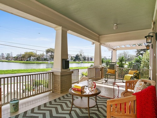 Great Place to stay Jazz Fest! Steps to the Streetcar, Park View, Bayou St. John, Fairgrounds near New Orleans