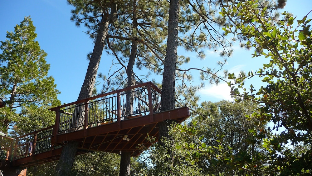 Terrace/Patio, *** LUXURIOUS TREE-HOUSE***  SPA + PANORAMIC LAKE VIEW - We thoroughly Disinfect
