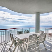 Stunning Renovations! Spacious Patio With Ocean View. 2 Chairs and 1 Umbrella
