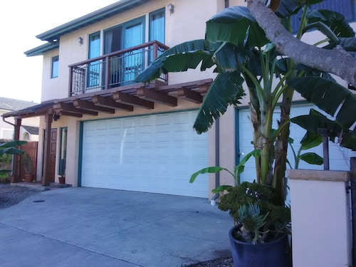 Close Walk To E. Beach 2 Bed,1 Ba @ Cocovillasb Rentals 30/ngt Minim.,clean,saf