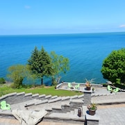 True North Luxury Lakefront Retreat With Stunning Views of Lake Ontario