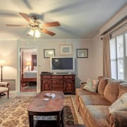 The Nest Historic Brooksville -15 min to Weeki Wachee Springs- Pets Welcome