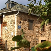 House in Quiet Village. Ideal Couples, and Friends, in Noceda del Bierzo León